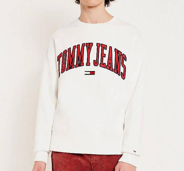 Juri Tutto Originalo Outfit Tommy Jeans Sweatshirt