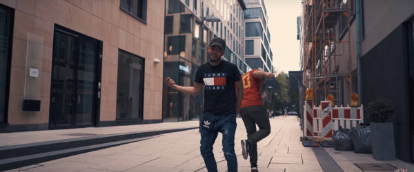 Sami T-Shirt Hilfiger Ralph Lauren Cap Adidas Tasche
