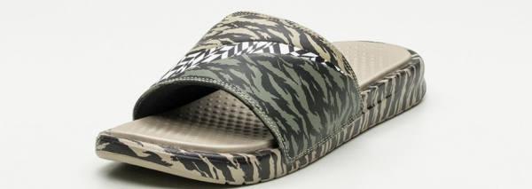 Dardan Schlappen Badeschuhe Nike Benassi