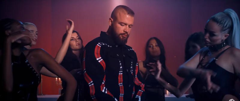 Kollegah Dear Lord Outfit
