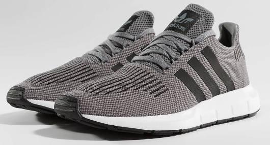 Adidas Swift Run grau