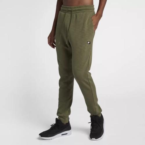 Nike Jogger oliv