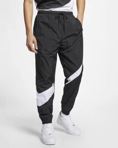 Nike Jogger schwarz weiß Swoosh