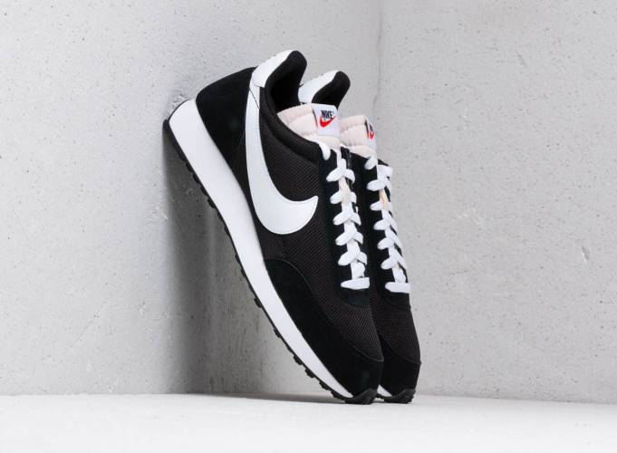 Nike Tailwind Black White