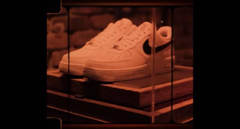 Ali471 Sneaker Schaufenster